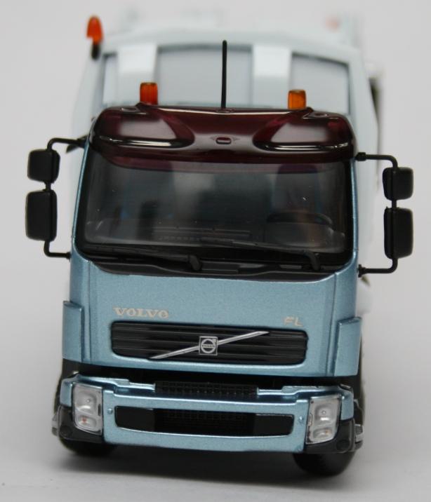 Macheta gunoiera Volvo FL - vedere din fata