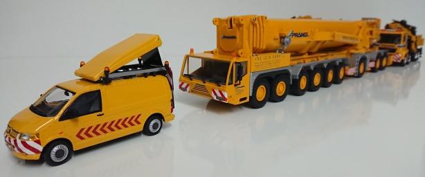 Macheta automacara Demag AC 1000-9 - un mini convoi