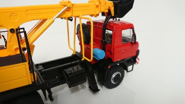 Macheta excavator UDS114 - detalii
